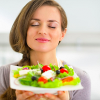 スパイス&ナッツでデリ風に!時短で出来る根菜サラダ3選