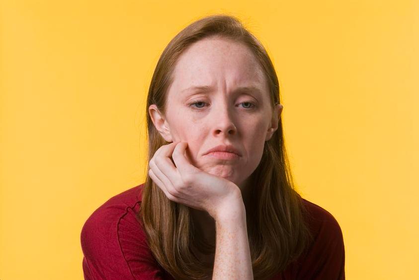 老け見え「梅干し顎」を解消! 顎のしわを治すマッサージと顔ヨガ