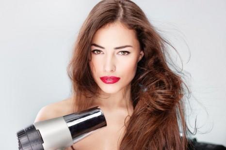 ドライヤーの熱を味方に。美髪に自信が持てるヘアケア材3選