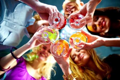 5月13日はカクテルの日!女子力UPのカクテルレシピ3選