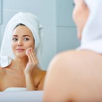 冬の肌トラブルを改善!ザラつきやニキビ肌のお手入れの基本