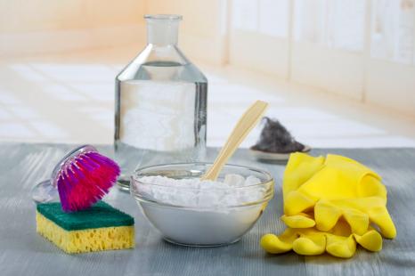 手荒れしにくい!料理家が教える「自然派洗剤」3種の使い方