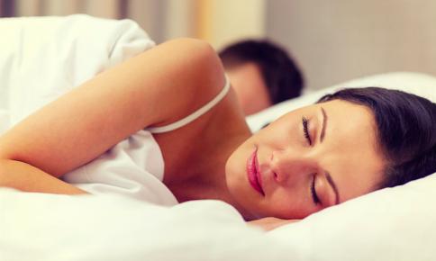 """""""潤い感""""ある女性の秘訣!良い睡眠のための「睡眠前習慣」"""