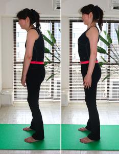左の写真が背中が丸まった姿勢。右が背筋を伸ばした姿勢。