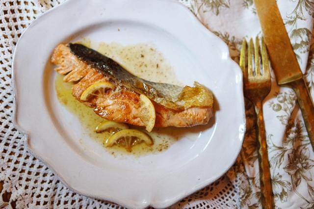 秋鮭のアンチエイジングレシピ・鮭のレモンバターソテー