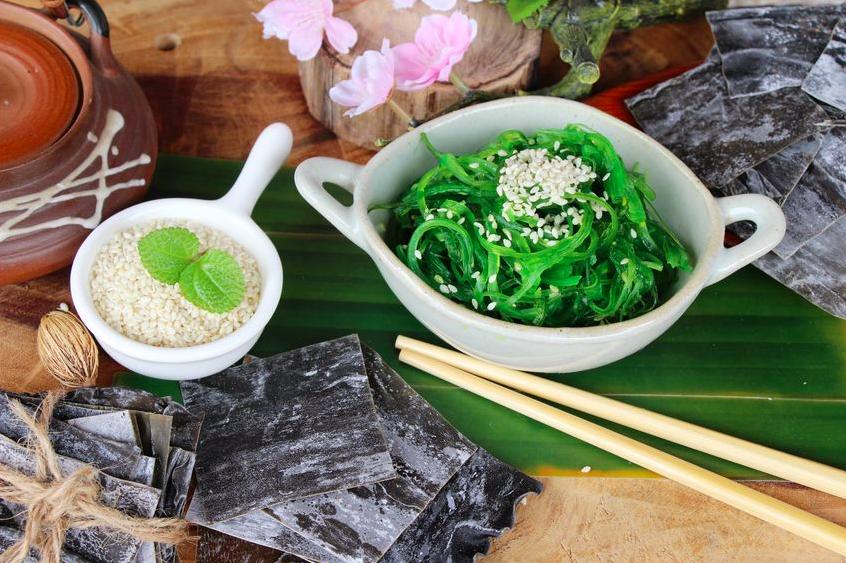 ハンバーグやパスタにも!?腸活&美髪に◎な海藻レシピ3つ