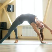 肩こり改善は「鎖骨」から!肩の柔軟性を高めるストレッチ