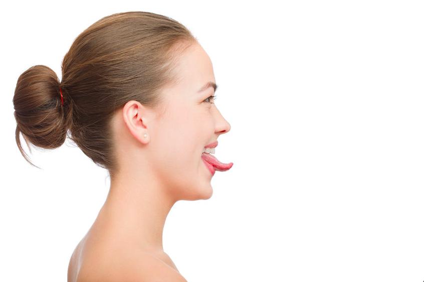 たったの2分!二重あごもスッキリの「舌筋」トレーニング