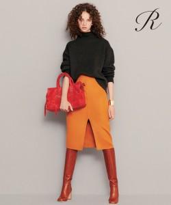 アール・ヌーヴォー時代からの定番、Iラインのシルエットに袖コンシャスな服の組み合わせは、袖をボリューミーにすることで全体的に逆三角形のシルエットになり、下半身が細く見える効果があります