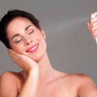 化粧水の冷蔵保存はNG?やりがち「間違い美容法」3つ