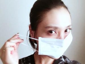 大きいマスクでお顔を隠してしまいましょう。これからの肌寒い時期は、誰もがマスクをしていても不自然ではありません。
