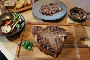 上質な肉や魚介、京野菜を中心とした野菜をグリルしたお料理を提供