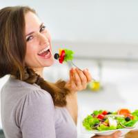 食べ過ぎが気になる時に◎!注目の「低糖質フード」2種