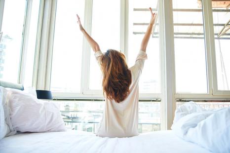 睡眠負債で太る!?良い睡眠のために「朝やりたいこと」3つ