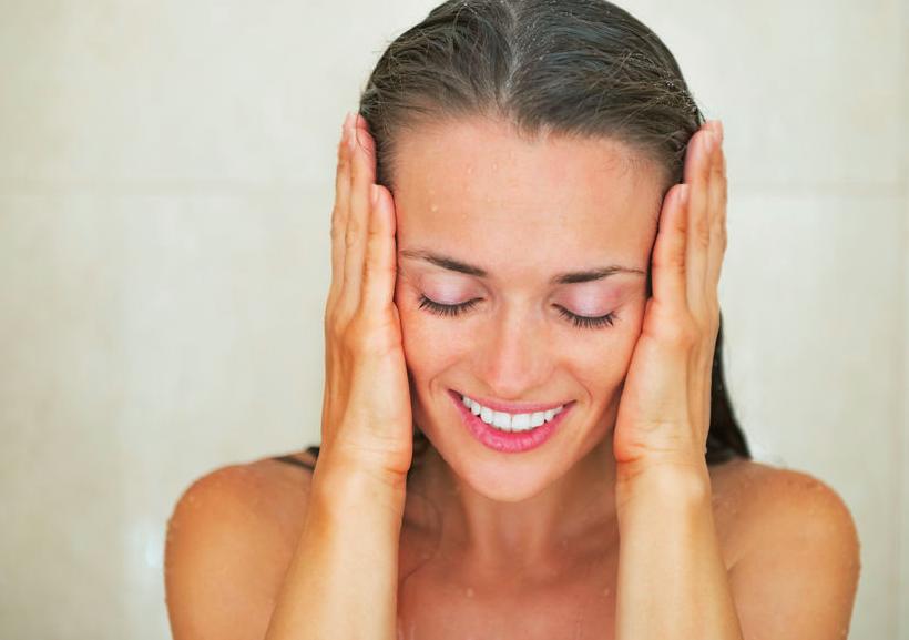 お風呂でできる!プロ実践の良質睡眠に導く「顔ゆるめ」テク