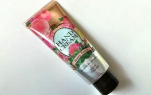 プチプラで香りも楽しめるハンドクリーム プレシャスガーデン ハンドクリーム ハニーピーチの香り/プレシャスガーデン
