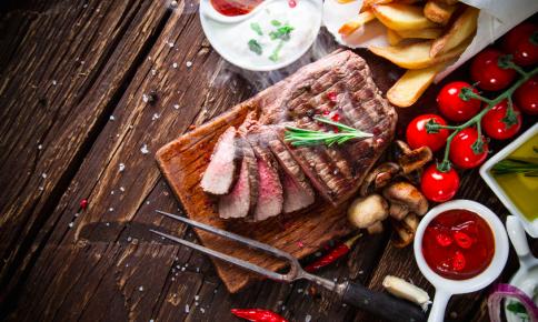 栄養士が教える!40•50代の太りにくい肉の選び方