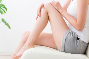 肌質に合った保湿クリームで丁寧にお肌をケアするとともに、毎日の生活習慣を見直し、内側と外側からのケアで美肌をつくりましょう。