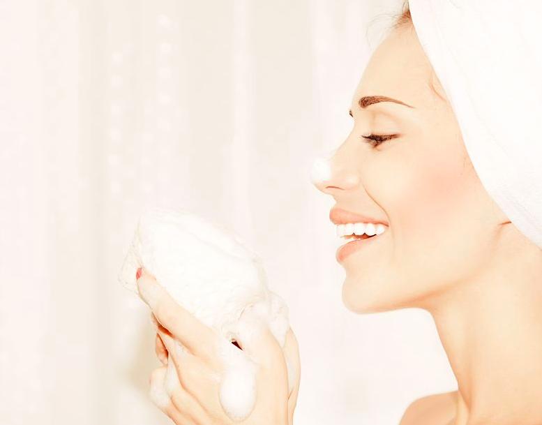 毛穴トラブル対策に◎効果的な「洗顔料の選び方」まとめ