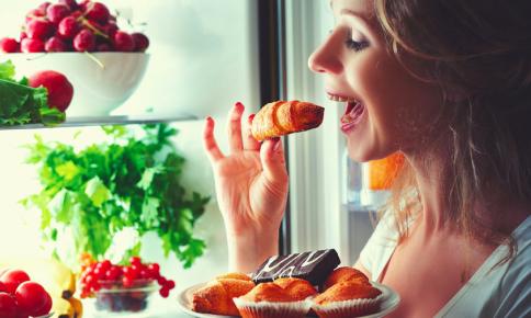 栄養士が食べない「老化が加速する食べ物」