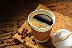 コーヒー、ファストフードの摂り過ぎで肌トラブルに!?