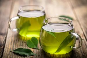 緑茶には、カテキン、カフェイン、アミノ酸、ビタミン、サポニンなどの成分が含まれています。