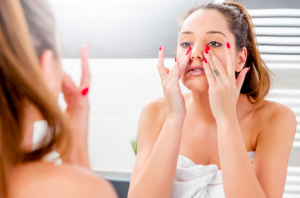 皮膚の乾燥は、お肌の「バリア機能」を低下させてしまいます。保湿はしっかりと行いましょう。