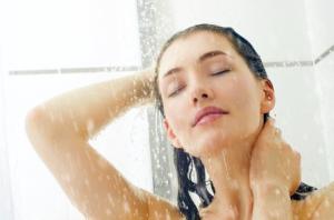 正しい洗髪やヘアドライ、頭皮マッサージは抜け毛予防に効果的です。