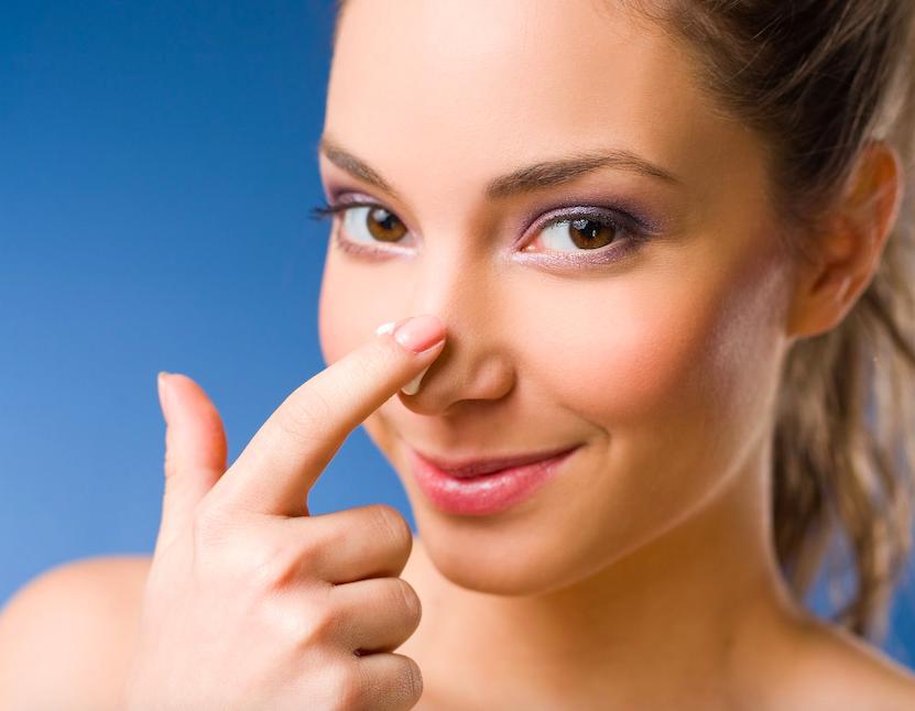 鼻の角質がつまる原因は?プロが教える「鼻の角栓」ケア