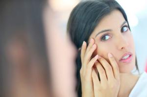 「肌の乾燥が気になる」とひとことでいっても、症状は人それぞれ異なります。