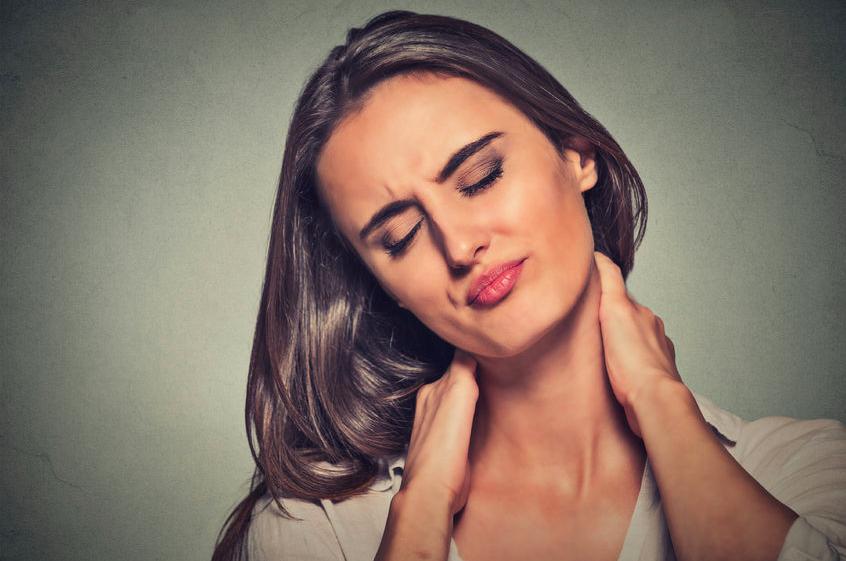 働く女性が悩む「うなじ首こり」とは?医師が教える首ケア法