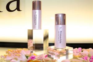 化粧下地の定番、「ソフィーナ プリマヴィスタ 皮脂くずれ防止化粧下地」がこの春、テカリ・ヨレ防止機能をアップし新登場。