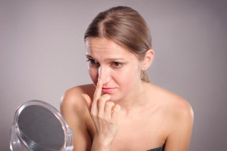 毛穴が目立つときのNG対策とは?大人の「毛穴対策」まとめ