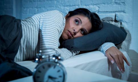 激しい運動で不眠に!?「睡眠の質を下げる行動」5つ