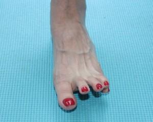 足指でグーチョキパーを5回程度繰り返し行います