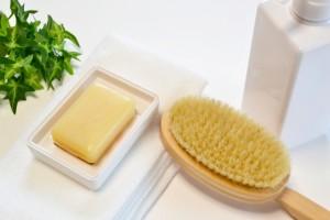 洗浄力の強いボディソープやゴシゴシ洗い