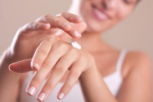 手肌の紫外線対策のケア手順