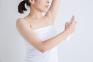 脇汗&ニオイ対策に!制汗剤・デオドラントの種類と特徴