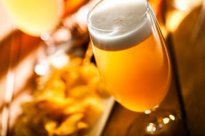 歓迎会に会食……過剰なアルコール摂取