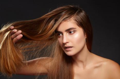 「白髪」の原因と減らすためにすべき事2つ
