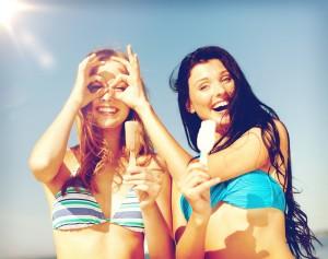 春夏の肌トラブルには、ビタミンC配合美容液がおすすめ