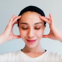 朝の「何となく洗顔」はNG!?つや肌に導く朝の肌ケア術