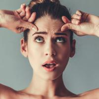 今使うべき化粧水が分かる!「肌悩み別」おすすめ化粧水4選