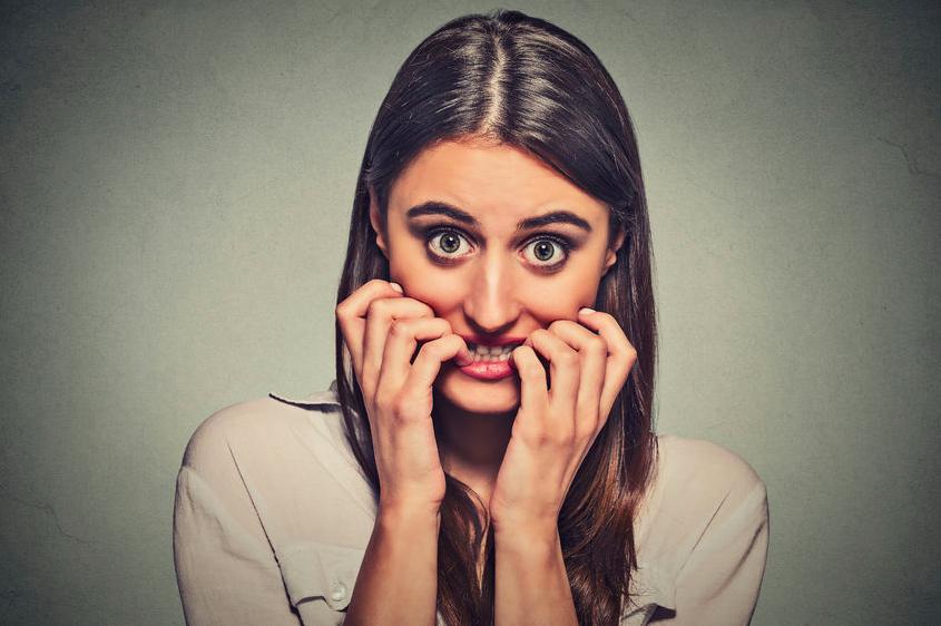 唾液不足で虫歯に!?歯科医師が教える、歯と舌の美習慣3つ