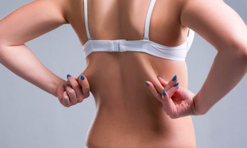 褐色脂肪細胞活性化!「埋もれ肩甲骨」掘り起こす簡単ストレッチ