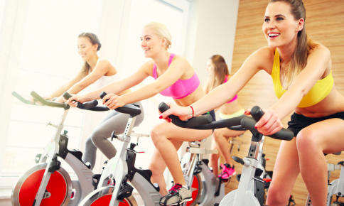 夏ダイエットに◎!「運動好きにおすすめのエクサ」診断