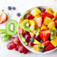 冷凍できるから毎日手軽に続けられる!腸活に役立つ旬の果物
