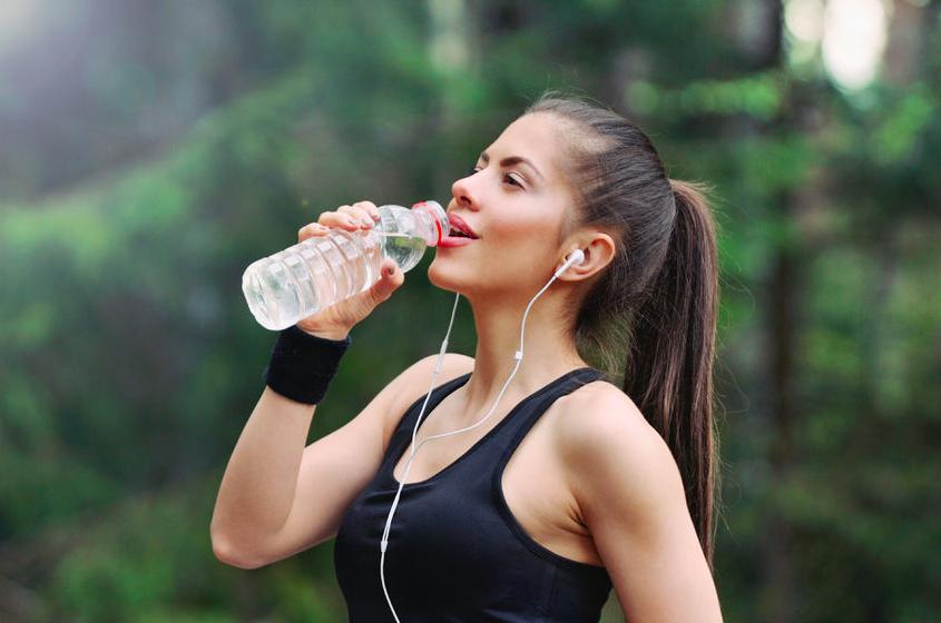 水分補給でダイエット!「脂肪を減らす機能性ドリンク」5選