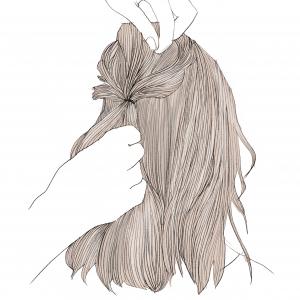 結んだ頭頂部の表面をほぐしていきます。ポイントは、細かい毛束を指先で引っ張ってあげることです。1センチ間隔で引っ張ってあげるとバランスよくほぐせますよ