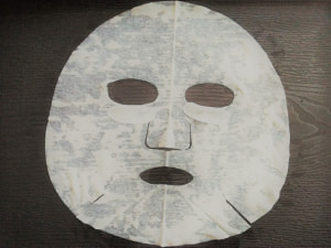 顔に使用するスキンケア系のもの